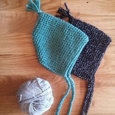 Bonnet de bébé lutin - Knitting And Crocheting Baby Hats Knitting, Crochet Baby Hats, Knitting For Kids, Knitting Projects, Knitted Hats, Knitting Patterns, Crochet Patterns, Knitting Sweaters, Hat Patterns