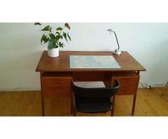 Skrive-/computerbord, Teaktræ skrivebord, b: 110 d: 70 h: