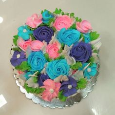 Whipped cream flower bouquet cake by #chefanwar #whippingcream #freshcream #cake #bouquet #flowers