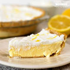 This Lemon Cheesecake Pie recipe is perfect for lemon lovers- so sweet, lemony and creamy, with just a tiny bit of tartness- yum!