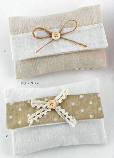 Polka dots favors 10-40 Wedding favors envelopes Linen wedding