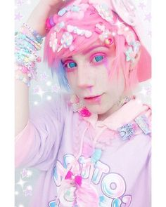 Matty Em - The Universe of Manga Pastel Goth Makeup, Pastel Goth Outfits, Pastel Punk, Pastel Goth Fashion, Kawaii Fashion, Cute Fashion, Harajuku Fashion, Goth Guys, Emo Goth