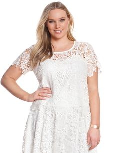 Scalloped Floral Lace Top | Women's Plus Size Tops | ELOQUII