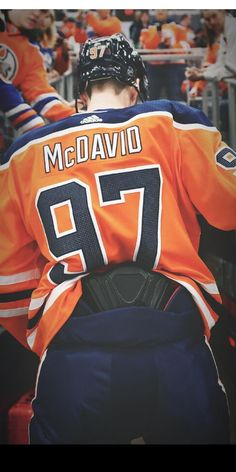 Connor Mcdavid, Nhl Players, Edmonton Oilers, Ice Hockey, Michael Jordan, Hot Guys, Sports, Profile Pics, Leather Tooling