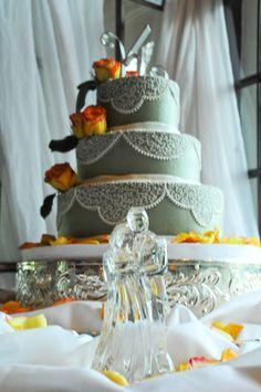 beautiful cake table idea