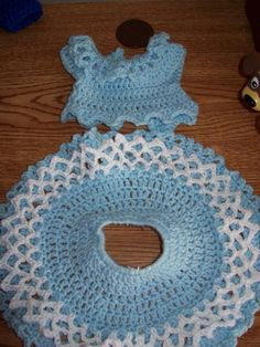 Doll Clothes Crocheting : I'm in the Mood For this Blue White Free Pattern.