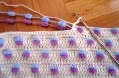 Such a clever technique!! No yarn to cut and weave in every two rows!!! sweet crochet!!