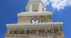 Easy accessibility makes it easy to relax and play on the beach. Ormond Beach offers other attractions, as well. Here is a list of 10 things to do in Ormond Beach. Ormond Beach Florida, Best Beach In Florida, Florida Vacation, Florida Travel, Florida Moving, Florida Springs, Florida Beaches, Port Orange, Daytona Beach