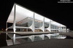 palacio-planalto-brasilia-night (700×467)