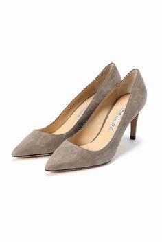 PELLICO スエードパンプス 8cm  PELLICO スエードパンプス 8cm 49680 2016AW PELLICO PELLICO (ペリーコの靴はイタリアの最上級の素材と最高の職人技術によって生産されています 熟練の職人によって行われる靴作りは自らの小さな工房でかたくなにひとつひとつ丁寧に作りあげられています その高い技術により数々のハイブランドからのオファーを受けながらも高い技術と自らのコレクションを守るためにどこにも属さない姿勢を貫いています PELLICOの靴は走れる8cmヒールと例えられるその安定感が魅力 日本人の足にも吸い付くような履き心地を約束してくれます 履く女性を少しだけエレガントにしてくれる一足 こちらの商品はIENAでの取り扱いになります 直接店舗へお問い合わせの際はIENA店舗へお願い致します
