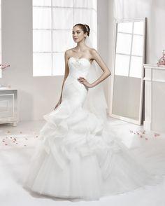 AUAB16929 1 (Robes de mariée). Créateur: Aurora. ...
