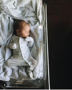 Motherhood baby boy baby, future baby, everything baby. The Babys, Baby Outfits, Baby Dresses, Foto Baby, Baby Family, Family Guy, Family Goals, Everything Baby, Baby Kind