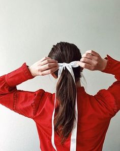 Upcycling old gift ribbons 🎀 #frolleinherr #blogger_de #hairaccessory #dior #hairinspo #schleife #haarschleife Ribbon Hair Ties, Dior, Hair Scarf Styles, Gift Ribbon, Trends, Beauty Hacks, Beauty Tips, Scarf Hairstyles, True Beauty