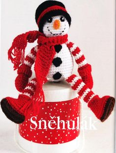 Háčkované návody na hračky - návod na snehuliaka - Album používateľky anna2912 - Foto 16 Tigger, Christmas Ornaments, Holiday Decor, Disney Characters, Christmas Jewelry, Christmas Decorations, Christmas Decor