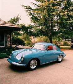 Robert Foresta keeps this Classic Porsche at his Miami residence - auto´s - Porsche Classic, Bmw Classic Cars, Lexus Cars, Porsche Cars, Porsche Roadster, Bmw Cars, Retro Cars, Vintage Cars, Porsche 550 Spyder
