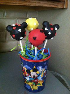 Mickey Mouse cakepop arrangement