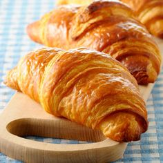 Croissant au beurre - Straight is made with butter