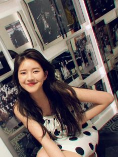 Fb Girls, Cute Girls, Korean Best Friends, Prity Girl, Beautiful Chinese Girl, Girl Artist, Uzzlang Girl, Girly Pictures, Asia Girl