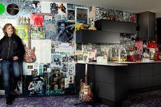 Nice wall cupboard on crazy wall  Svane / Black-Line køkken i Graphite fra Kbh
