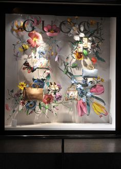 Ideas Flowers Shop Design Display Visual Merchandising For 2019 Design Shop, Flower Shop Design, Store Design, Window Display Design, Store Window Displays, Visual Merchandising, Vitrine Design, Flower Window, Deco Floral