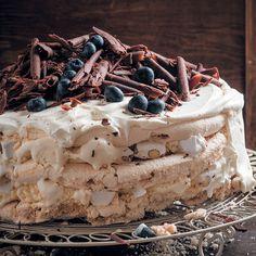 Cream, meringue, ice cream, chocolate and nougat are meant to be together. Fudge, Cream Cake, Ice Cream, Peppermint Crisp, Springform Cake Tin, Zucchini Cake, Cupcakes, Chocolate Cream, Gourmet
