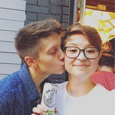 Ash & Grace Hardell Pretty People, Beautiful People, Anime Hair, Different Hairstyles, Dan And Phil, Lesbians, Cute Couples, Equality, Youtubers