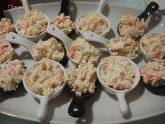 Cucharitas de ensaladilla de manzana, salmón, y bonito asalmonado