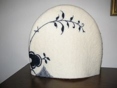 Like this tea-cozy with Mega-Musel