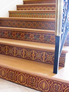 Our Modello® Designs masking stencils on stenciled staircase risers! Artistry by Vicki Shultz & Julie Young - --- idea of having pattern on stairs is lovely! Painted Stairs, Painted Floors, Painted Furniture, Cool Ideas, Stenciled Floor, Stenciled Stairs, Tile Stairs, Balustrades, Stair Risers