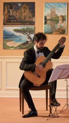 Giuseppe Chiaramonte (klassische Gitarre) aus Mailand / Great performer at the art salon of Maja Fluri