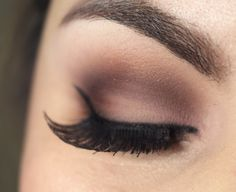 http://www.pausaparafeminices.com/tutorial-make/makeup-kylie-jenner/