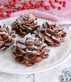Navidad es la época perfecta para juntar lo mejor de la vida; familia, amigos, creatividad y el chocolate. Por esta razón hoy te traemos este increíble postre que será perfecto para tu noche de fin de año y lo mejor es que lo puedes hacer con los más pequeños de la casa. Chocolate Caliente, Cupcakes, Cakes And More, Almond, Brunch, Cookies, Meat, Food, Brownies