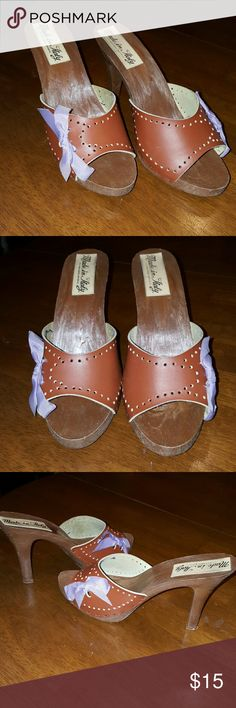 Adorable heels with lilac bow Made in Italy, all man made material, sweet lilac bow on the side of each shoe. Great condition. unknown  Shoes Heels
