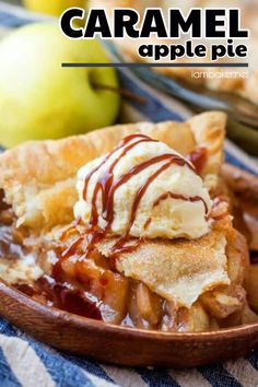 Looking for apple pie desserts? Make this Caramel Apple Pie. It's ooey, gooey and downright indulgent. Make this apple pie recipe now! Green Apple Pie Recipe, Green Apple Recipes, Apple Pie Recipes, Tart Recipes, Easy Cake Recipes, Sweet Recipes, Easy Apple Pie Recipe, Fall Dessert Recipes, Pie Dessert
