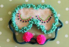 crochet sleep mask pattern in English and por woolylikestohook
