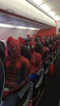 sneak peek of spiderman: into the spider-verse Marvel Dc, Marvel Funny, Marvel Memes, Funny Memes, Hilarious, Jokes, Funniest Memes, The Avengers, Bizarre