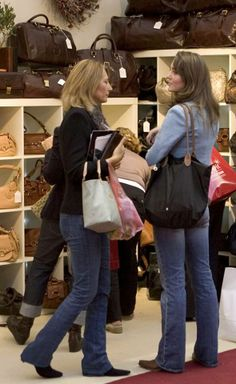 November 3, 2005 - Kate shopping at Spirit of Christmas event at the Olympia exhibition center in London.