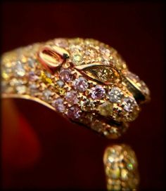 Detail of MK Diamonds' colored diamond and gold ring, photographed by Diamonds in the Library.