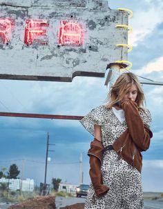 L'instant mode : Julia Restoin-Roitfeld, Alma Jodorovski et Camille Rowe pour…