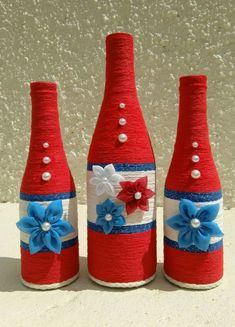 icu ~ Pin on boteñas decoradas ~ This Pin was discovered by Damaris Farrier. Bottle Top Crafts, Wine Bottle Art, Diy Bottle, Wine Bottles, Twine Crafts, Rope Crafts, Xmas Crafts, Jar Art, Bottle Painting