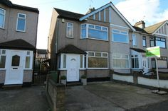 TO LET  3 BEDROOM HOUSE  RAINHAM ESSEX  http://www.smartmove-property-services.co.uk/mobile/property-search~action=print,pid=320