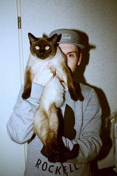 cat & guy