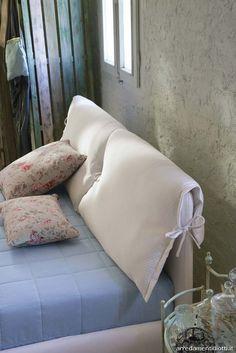 Vivian Damask fabric bed – DIOTTI A&F Italian Furniture and Interior Design - Architektur Cheap Diy Headboard, Headboard Cover, Bed Furniture, Furniture Design, Home Bedroom, Bedroom Decor, Dressing Design, Italian Furniture, Diy Bed