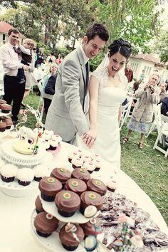 Cut the cupcake!