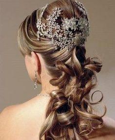 Modelos de penteados para festas, formaturas e casamentos