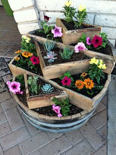 Whiskey barrel planter - Here is your newest project @Toni Weyandt ...