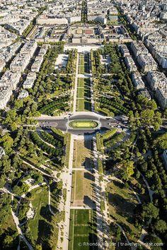 Parc du Champ de Mars- Paris, France