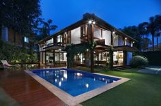 Architecture luxury home builder in tritmonk pictures of exterior modern tropical house design inspiring architectural concept Modern Tropical House, Tropical House Design, Tropical Houses, Modern House Design, Villa Design, Modern Houses, Tropical Paradise, Big Houses With Pools, Pool Houses