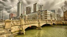 Dan mag deze oude brug natuurlijk niet vergeten worden.. pic.twitter.com/rNNcrqGYKc Rotterdam, South Holland, Paradise On Earth, Eindhoven, Delft, Netherlands, Dutch, Skyline, Europe