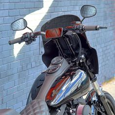 Rocking the bar bag and tool tool on the bars! iPhone on the mount . all tucked tightly behind the road warrior fairing! Street Bob, Low Rider, Club Style, Harley Davidson, Biker, Motorcycles, Europe, Iron, Usa